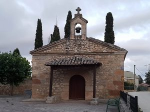 Die alte Kirche von Hornillos del Camino am Jakobsweg