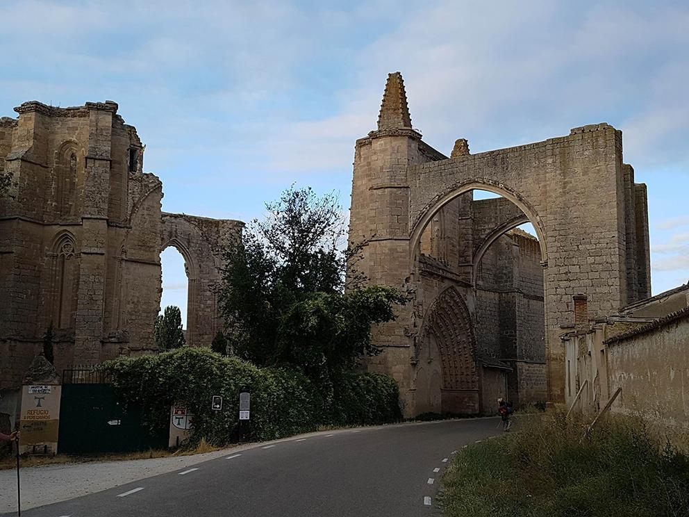 """Die Ruinen vom """"Convento Santa Clara"""" am Jakobsweg"""