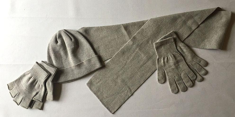 Schal und Mütze färben