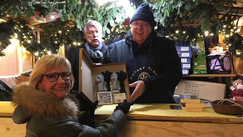 Rotary Club auf dem Weihnachtsmarkt