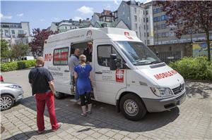 Das Krankenmobil fährt wochentags regelmäßig durch Hamburg